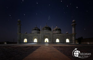 Relics of Abbasi Mosque near Derawar Fort