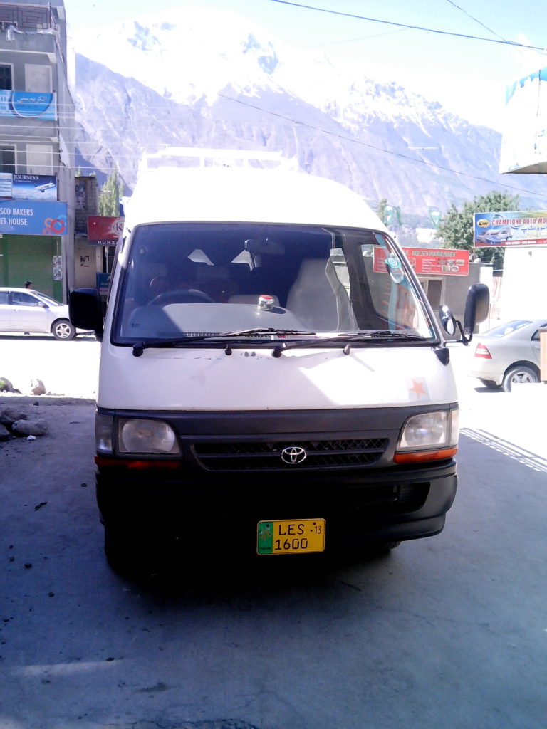 Toyota Hiroof 98 Model 12 Seater | Islamabad Rent A Car ...