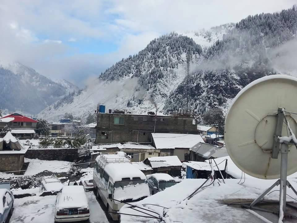 Naran snowfall in mid October