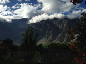 Diran Guest House and Peaks mountains