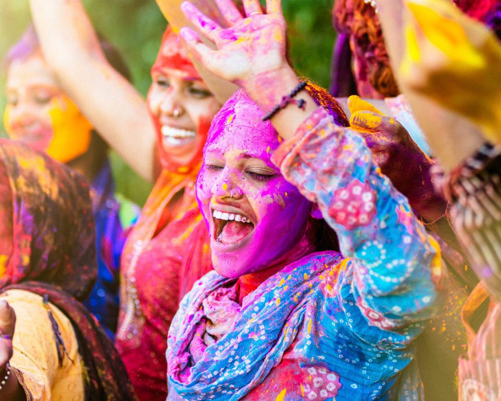 Colors of Holi in Pakistan