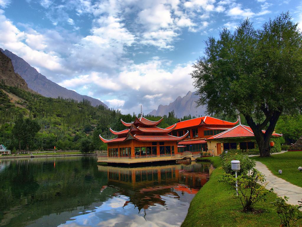 Shangri-La-Lake