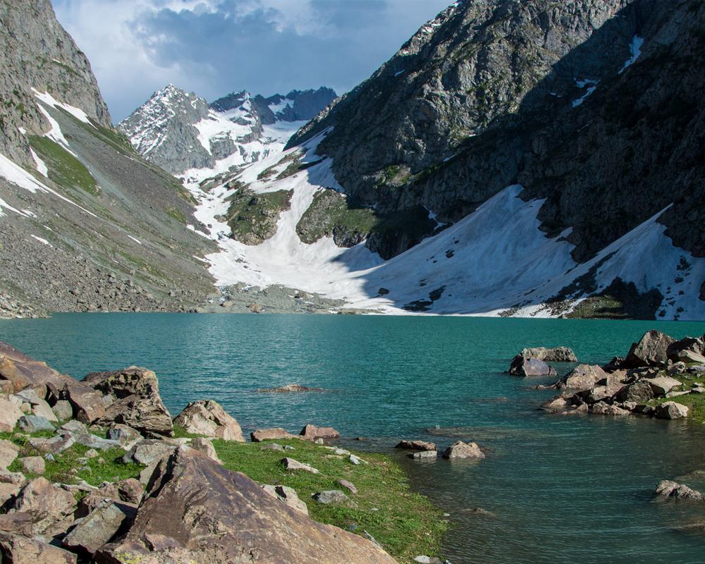 Spin-Khwar-Lake