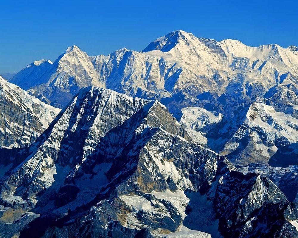 Himalayas-Mountain-Range