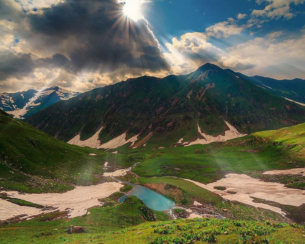 Ratti-Gali-Lake-Trek