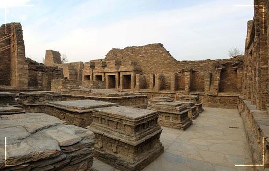 Takht-i-Bhai-A-Buddhist-monastery