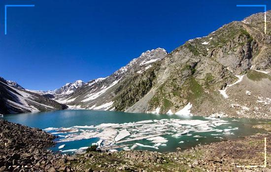 Utror-to-Kandol-Lake-Trek