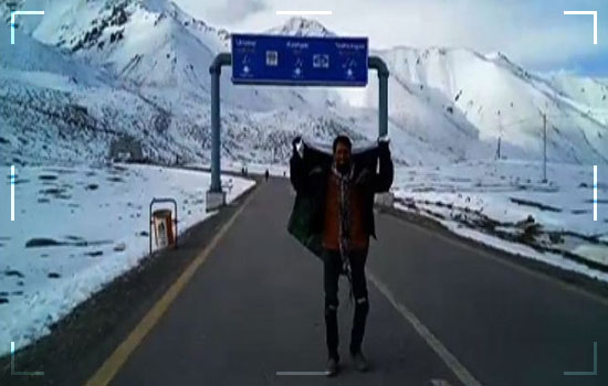 Brother Sister Duo From Karachi Are Traveling Across Pakistan On A Motorcycle Image 3