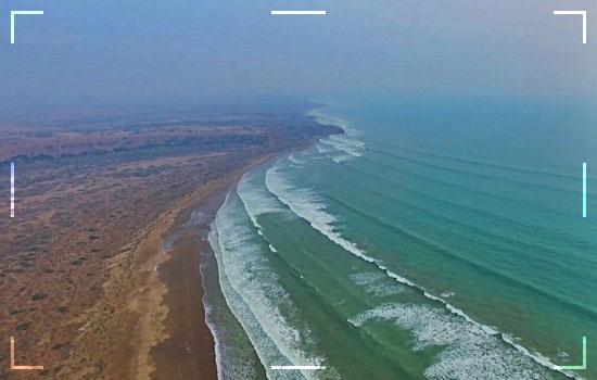 Sonmiani-Beach