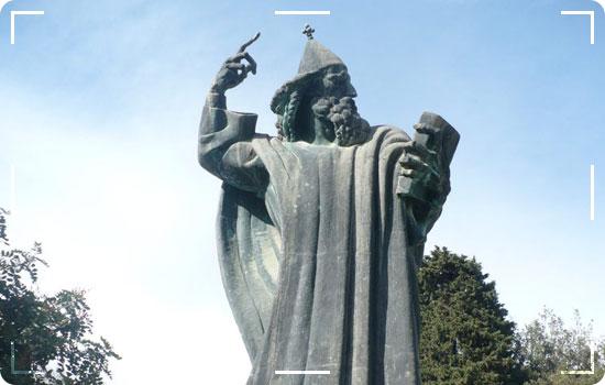 Statue-of-Grgur-Ninski